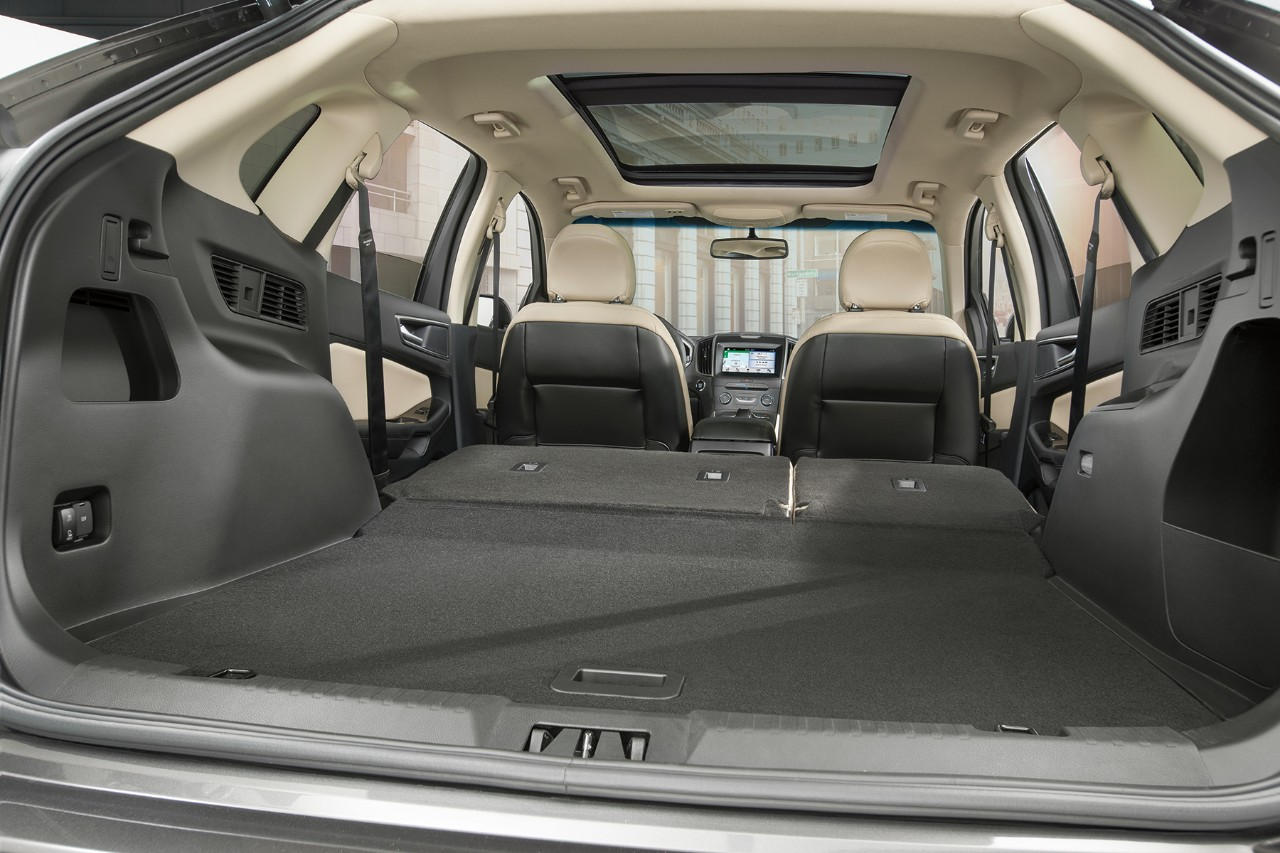 2018 Ford Edge cargo capacity
