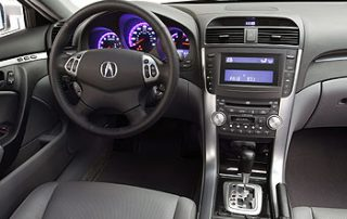 The cockpit of the 2006 Acura TL