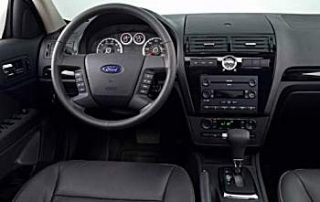 Easy to read instrument panel in the Ford