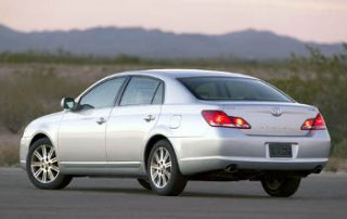 2007 Toyota Avalon from the side