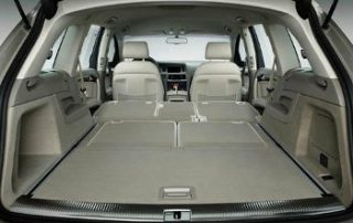 With the second and third row folded down, the Q7 turns into a huge storage container.