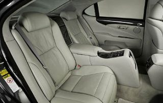 a center console in back seat will keep the kids busy