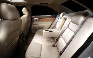 2008 Lincoln MKZ has very spacious back seats