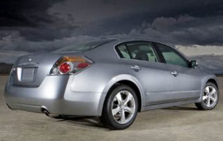2007 Nissan Altima from behind