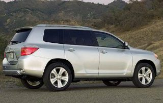 2008 Toyota Highlander Sport side shot