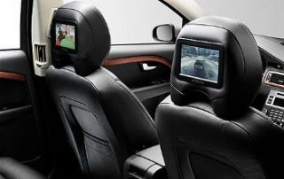 2008 Volvo XC70 keeps the kids entertained