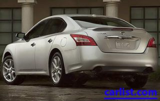 2009 Nissan Maxima rear shot