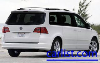 2009 Volkswagen Routan from the back