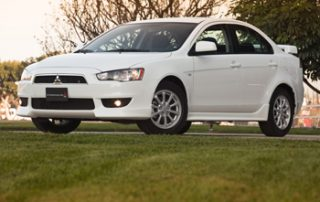 Familiar proportions combine with sharp-edged styling, giving the Lancer a ready-to-go feeling