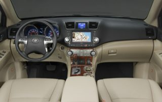 The 2011 Highlander comes standard with seven airbags