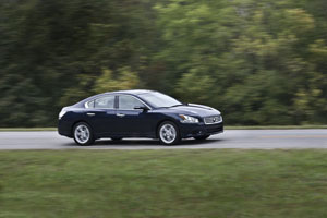 2012 Nissan Maxima Side View