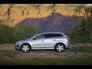 2012 Volvo XC60 R-Design Left View