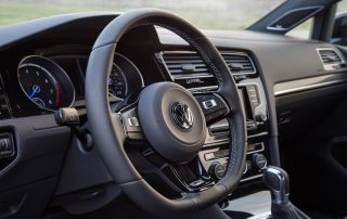 2015 Volkswagen Golf R - small but mighty interior