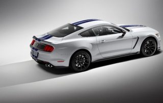 2016 Ford Mustang Shelby GT350 sideview