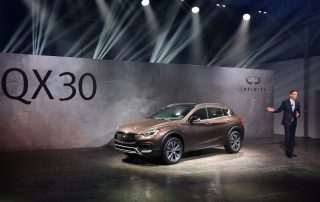2017 Infiniti QX30 side view