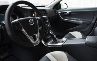 2017 Volvo S60 Cross Country interior