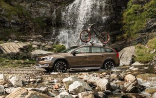 2017 Volvo V60 Cross Country Station Wagon versatility