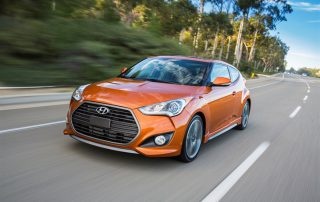 2017 Hyundai Veloster Turbo front 3/4 view