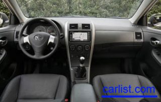2009 Toyota Corolla sedan interior