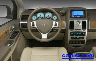 2008 Chrysler Town & Country interior
