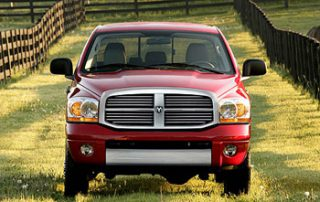 Carlist.com newcar review of the 2006 Dodge Ram 2500 Laramie MegaCab