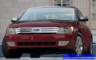 2008 Ford Taurus X front view
