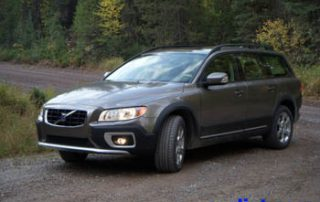 2008 Vovlo XC70 front view